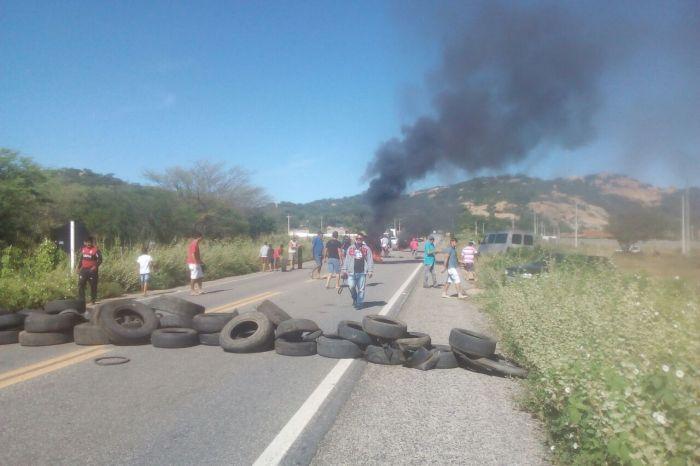 Manifestações chegam ao 4° dia e Cariri registra quatro pontos de bloqueios