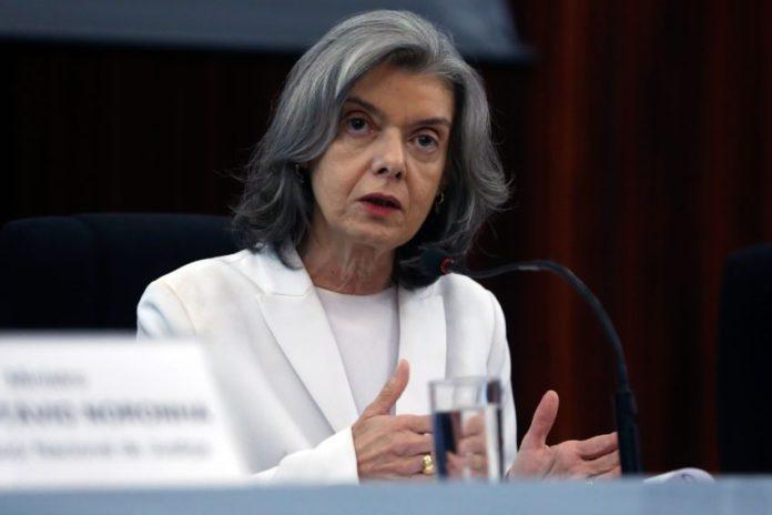 'Brasil era para ter dado errado há muito tempo', diz Cármen
