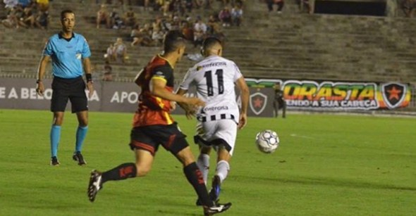 Botafogo-PB empata com Globo FC no Almeidão