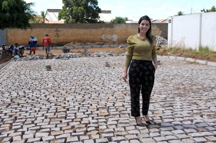 Prefeita Anna Lorena cumpre agenda e visita obras em andamento em Monteiro