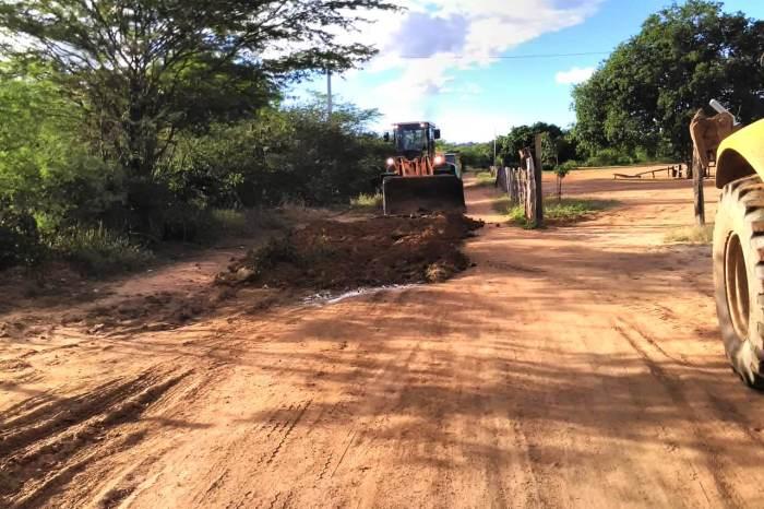 Comunidades Rurais recebem trabalhos da Secretaria de Agricultura em Monteiro