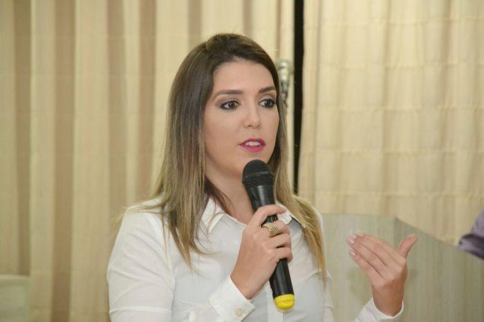 Prefeita Lorena cobra providências sobre suspensão do bombeamento de água na Transposição