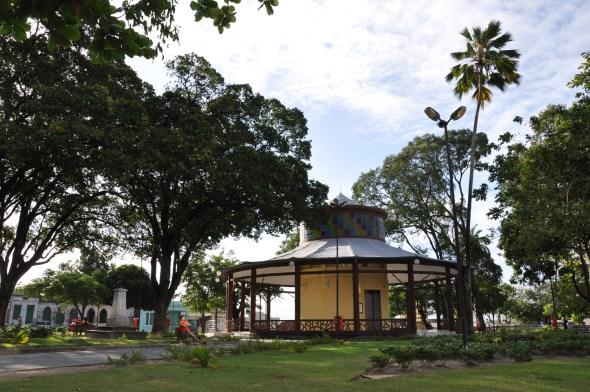 Centro Cultural Pavilhão do Chá recebe feira de grupo de artesãs