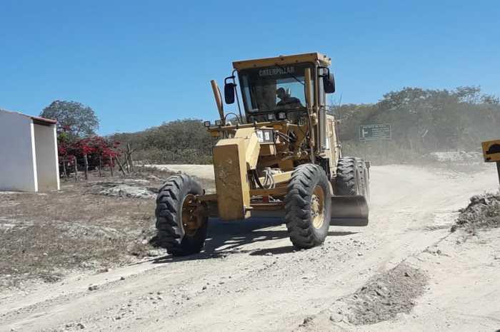 Secretaria de Agricultura de Sumé inicia trabalhos de recuperação de estradas