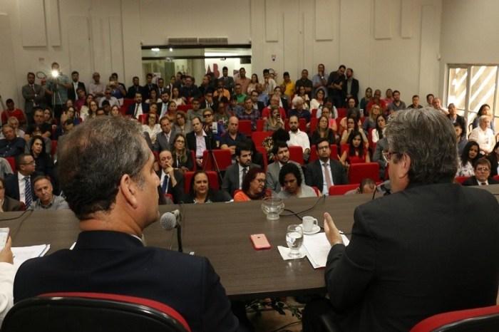 Pré-candidato a governador critica o fechamento de comarcas