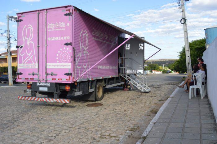 Caminhão Amigo do Peito esteve em Sumé para a realização de exames de Mamografias