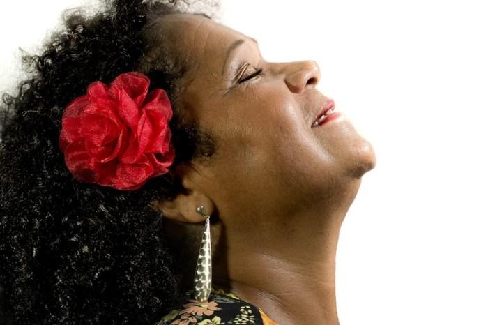 Meire Lima se apresenta neste domingo na Casa da Pólvora