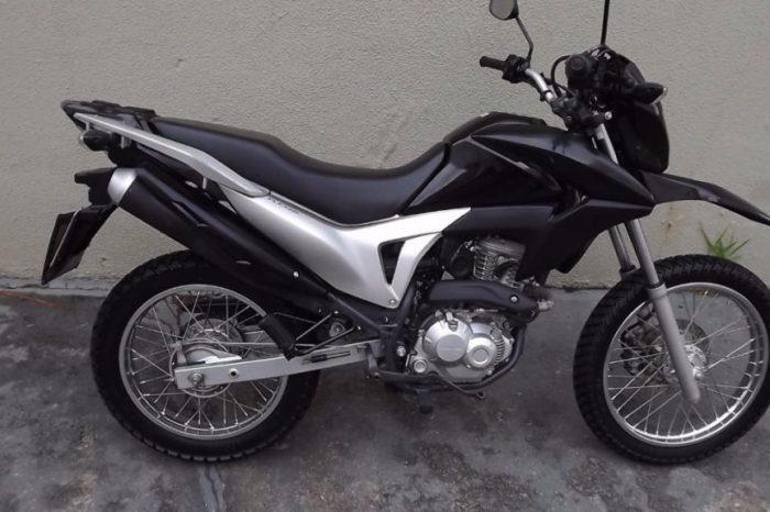 Operação Cidade Segura apreende moto roubada em Monteiro