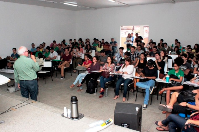 Unidade Acadêmica de Tecnologia do CDSA promove palestra sobre Agroecologia Industrial