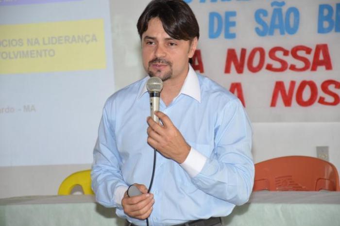 Ex-prefeito de Cabaceiras profere palestra pelo Sebrae em Rondônia sobre artesãos do Cariri