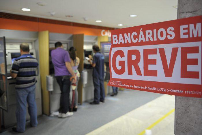 Bancários marcam assembleia e ameaçam entrar em greve na PB