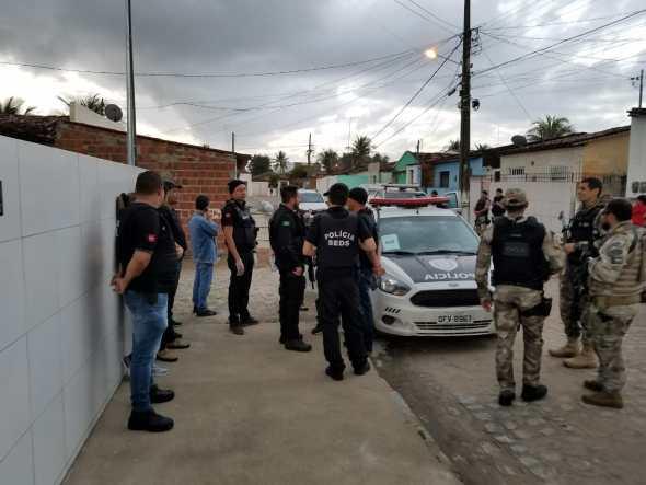 Polícias Civil e Militar cumprem 35 mandados de prisão contra tráfico