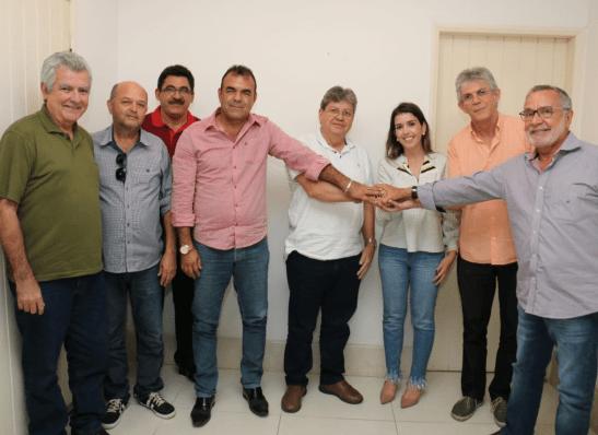 Batinga, João e Ricardo realizam arrastão e comício nesta sexta, em Monteiro