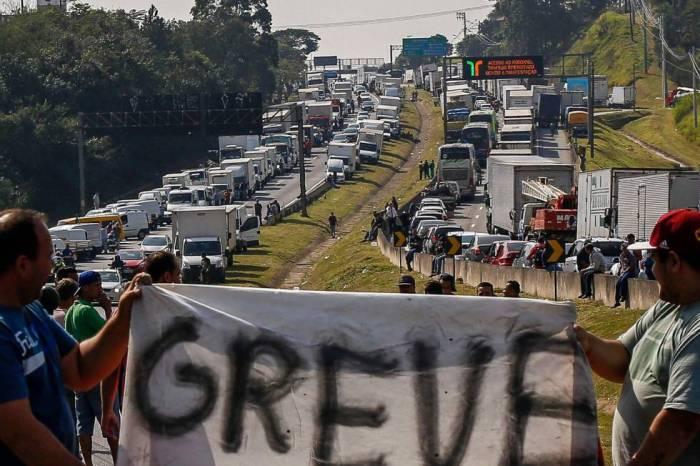 Nova greve dos caminhoneiros é negada por categoria