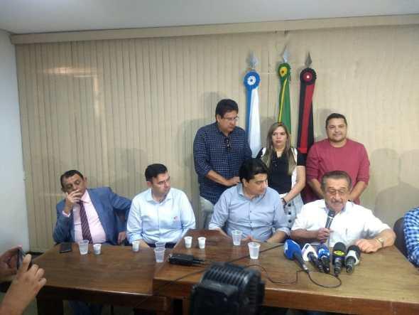 Manoel Júnior rompe com Cartaxo e anuncia apoio a José Maranhão