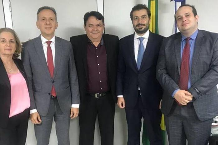 Prefeito de Serra Branca consegue R$ 2 mi para construir sistema de abastecimento das Serras