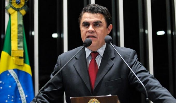 Câmara suspende cota parlamentar de Wilson Santiago