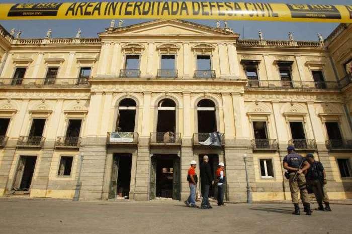 Governo da Espanha ajudará Brasil a recompor acervo do Museu Nacional