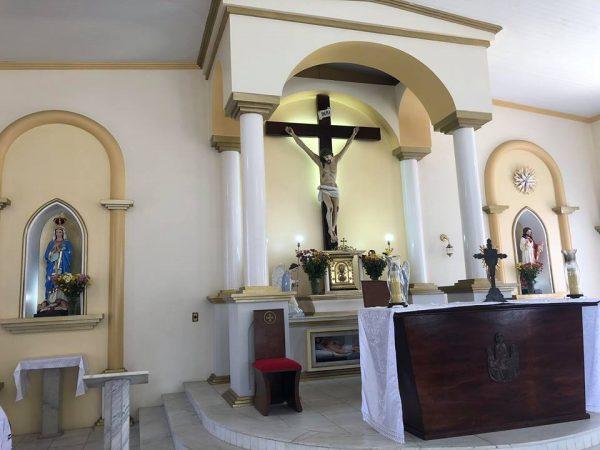 Igreja Matriz de Serra Branca tem imagens pichadas e padre pede respeito