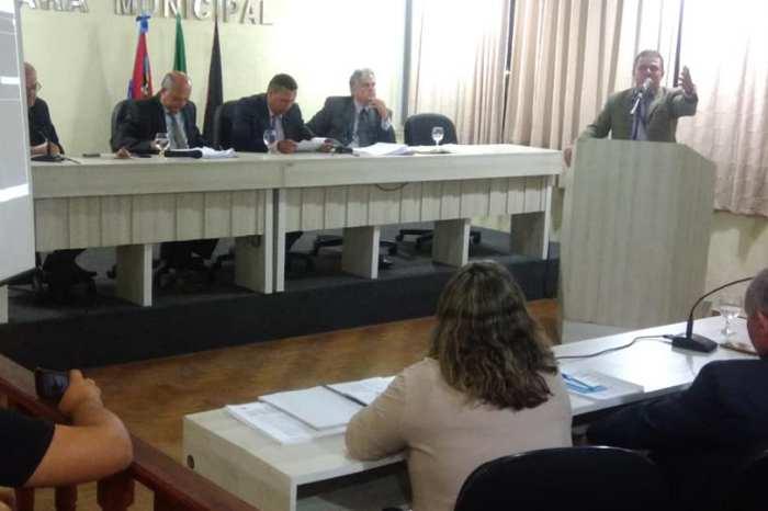 Por 9 votos a 3, Câmara de Monteiro aprova contas de 2014 da ex-prefeita Edna Henrique
