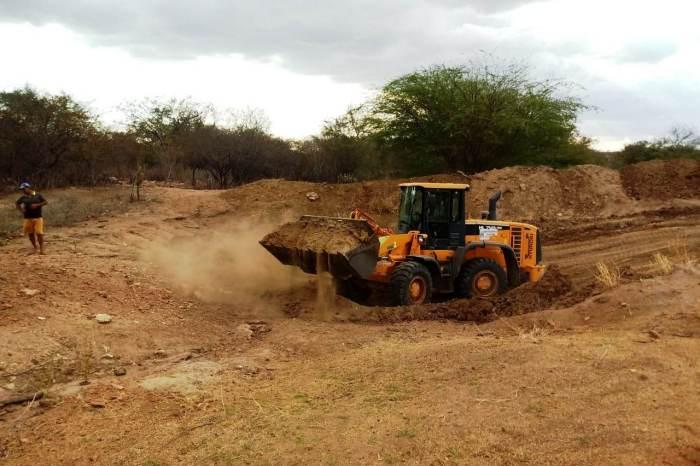 Secretaria de Agricultura realiza mais serviços na Zona Rural e população aprova