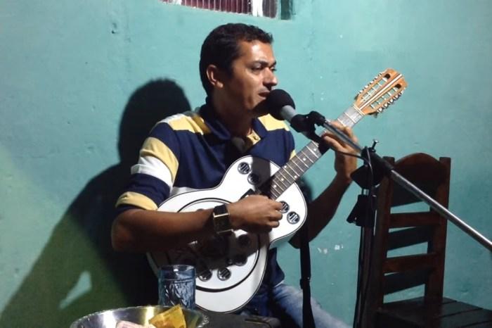 """Documentário gravado em Monteiro conta história das tradicionais cantorias """"Pé de Parede"""""""