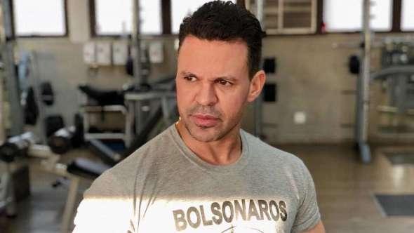 Eduardo Costa critica comoção por morte de cachorro em mercado