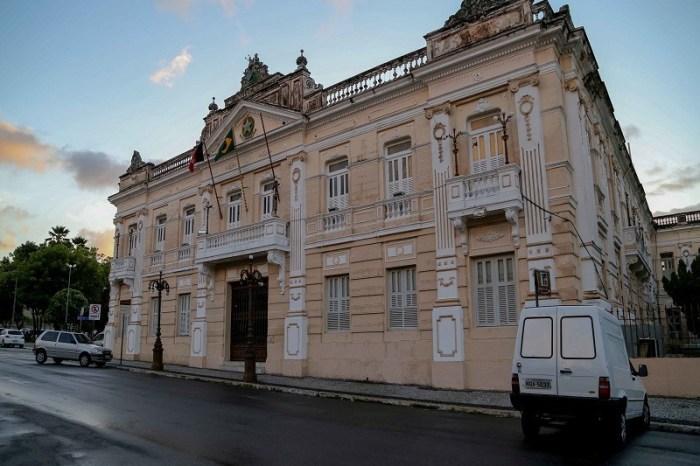 Governador exonera ex-secretário da gestão de Coutinho
