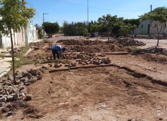 Melhorando Infraestrutura: Prefeitura inicia recuperação de calçamentos em Prata