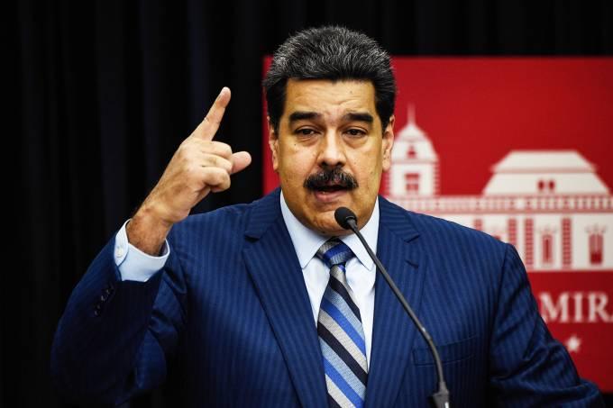 Maduro dá ultimato ao Brasil e a países que contestam seu mandato