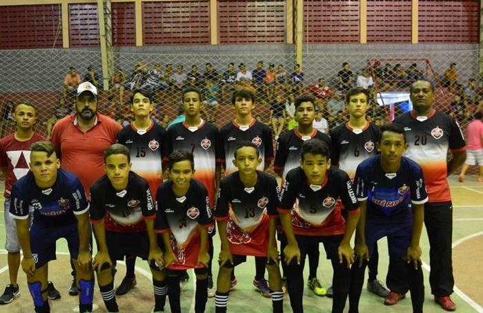 Equipe do Independente conquista Campeonato Sumeense de Futsal Sub-15