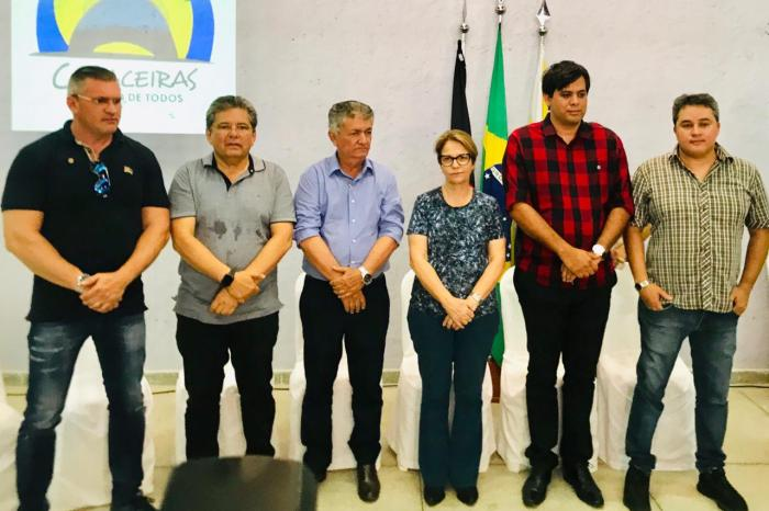 MOÍDOS DA REDAÇÃO: Deputados acompanham agenda de ministra da Agricultura no Cariri
