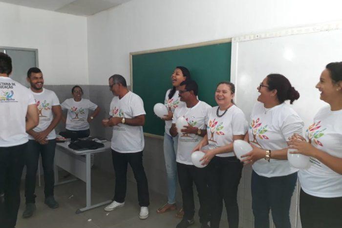 """Secretaria de Educação de Ouro Velho realiza """"Encontro Pedagógico"""" e abre ano letivo"""