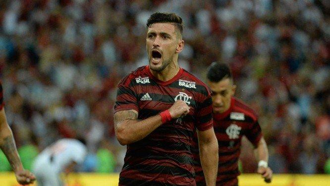 Flamengo vence Vasco nos pênaltis e conquista Taça Rio