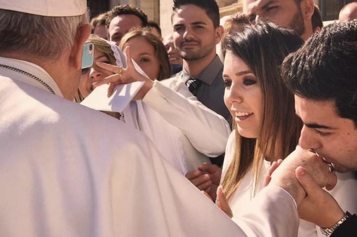 Papa Francisco abençoa união da prefeita Anna Lorena e o empresário Felipe Lago