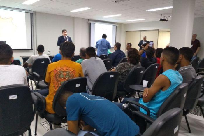 Fundac realiza oficinas para jovens socioeducandos