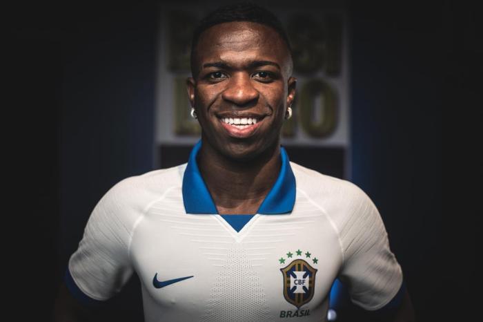 Brasil usará camisa nova com escudo velho na Copa América