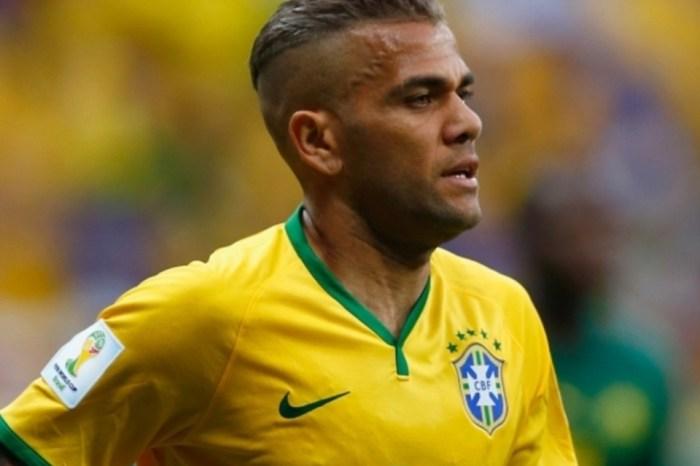 Daniel Alves substituirá Neymar como capitão da Seleção