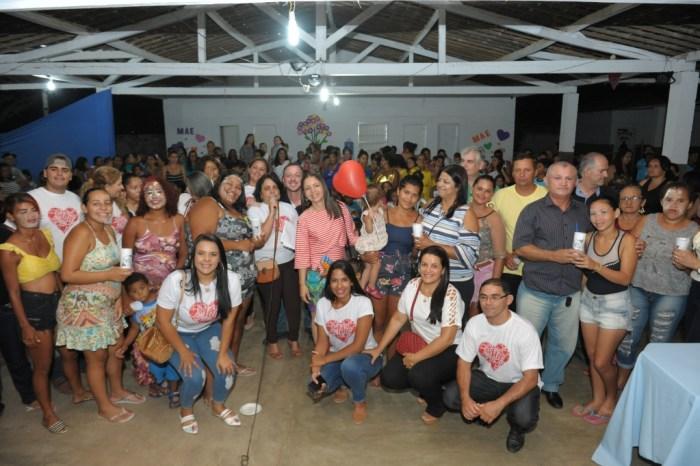 Carinho e Valorização: Comemoração do Dia das Mães acontece no SCFV de Monteiro