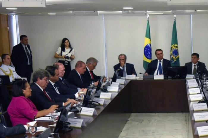 João discute MP 868 e ações para educação com Bolsonaro
