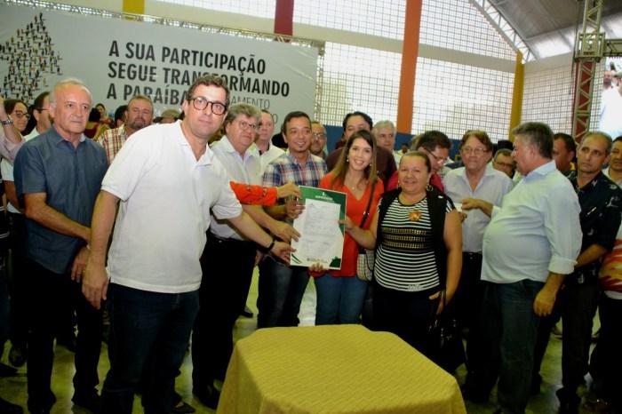 Prefeita de Monteiro participa de reunião do ODE e pede prioridade para Centro de Hemodiálise
