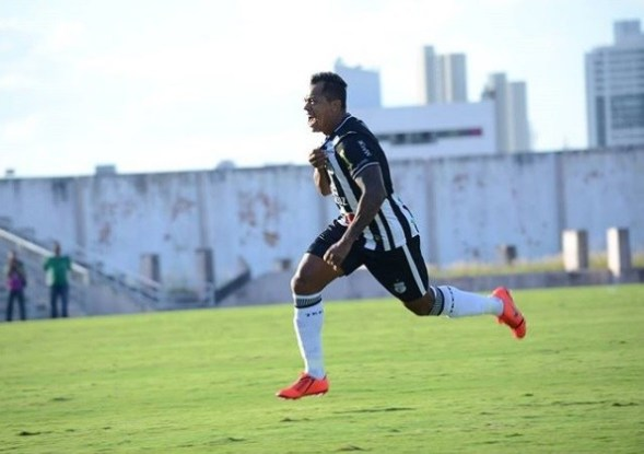 Marcelinho marca duas vezes e Treze vence Sampaio