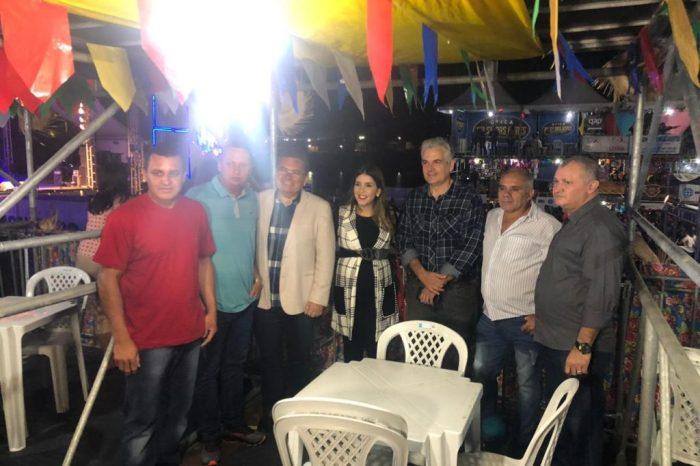 Vereadores de Monteiro prestigiam abertura do São João e entrega de obras ao lado da prefeita Lorena