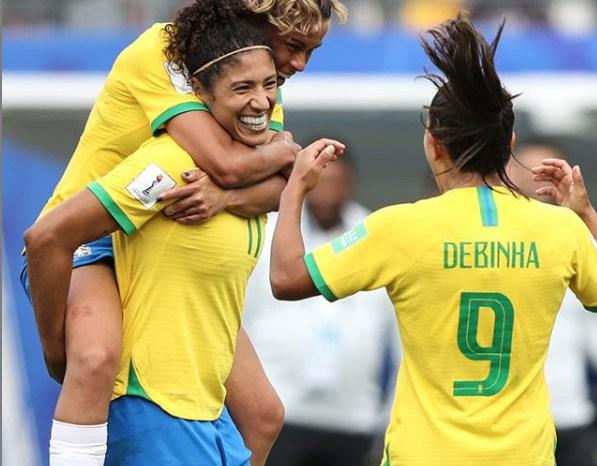 Com três gols de Cristiane, Brasil vence a Jamaica