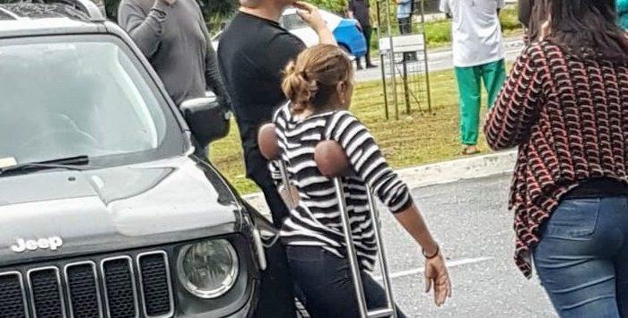 Deputada usa carro da Assembleia para bloquear rua na Paraíba