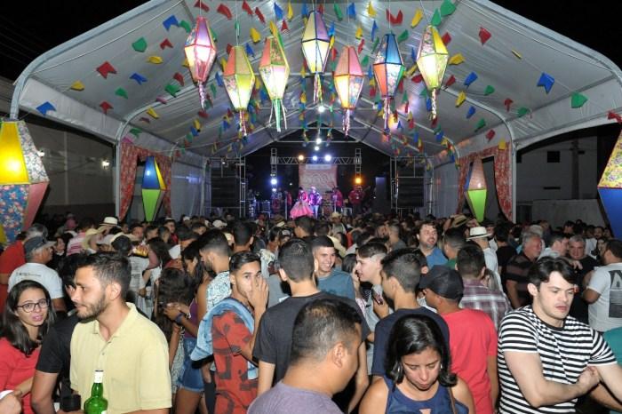 Sítio São Francisco abre os festejos juninos na cidade de Monteiro, no Cariri
