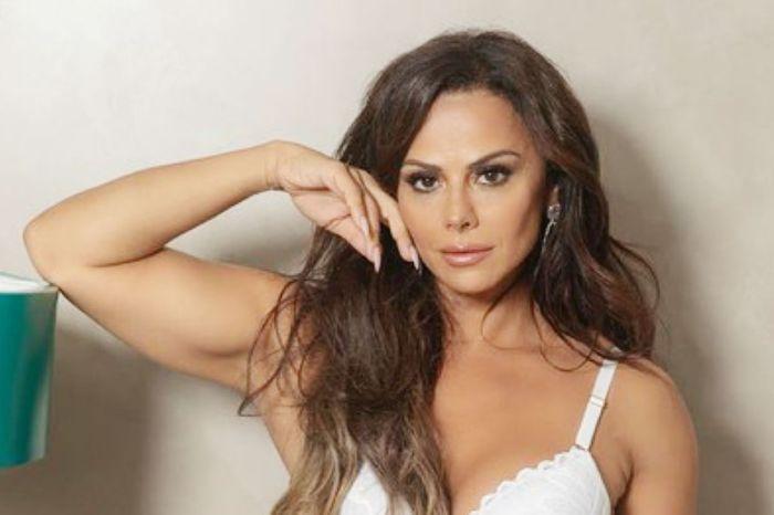 Vivianne Araújo publica selfie e fãs criticam procedimentos estéticos