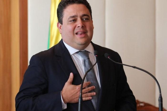 Após fala de Bolsonaro, presidente da OAB vai acionar o STF