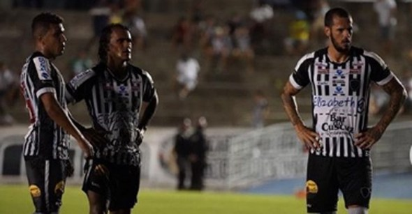 Botafogo-PB sai na frente, mas sofre virada do Imperatriz