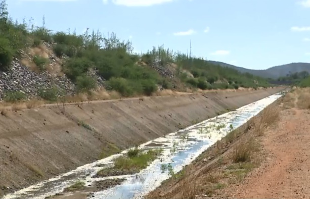 Moradores denunciam abandono da transposição em Monteiro, que não recebe água há 5 meses